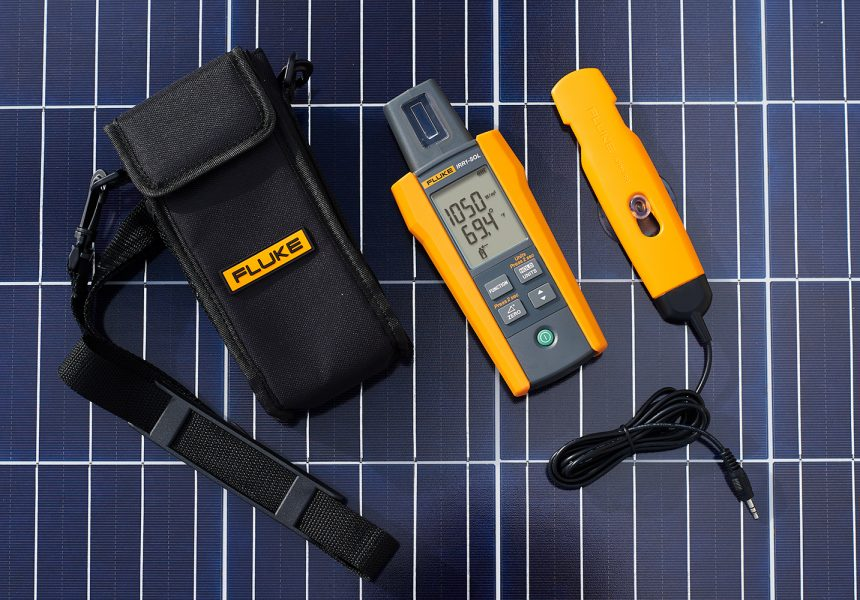 Fluke 393 FC CAT III 1500 V True-rms Clamp Meter with iFlex delivers safe, fast measurements in 1500 V dc environments