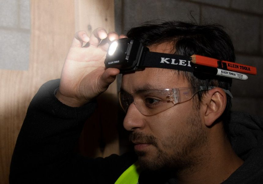 Klein Tools® Launches 2-Color Headlamp to Meet Multiple Lighting Needs